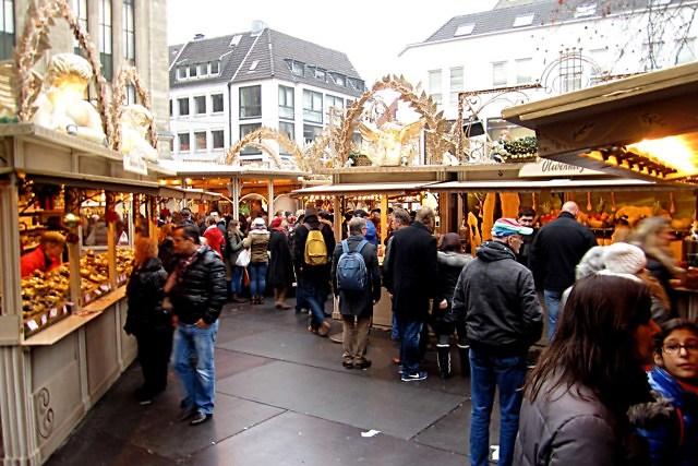De Engelenmarkt op de Heinrich-Heine-Platz