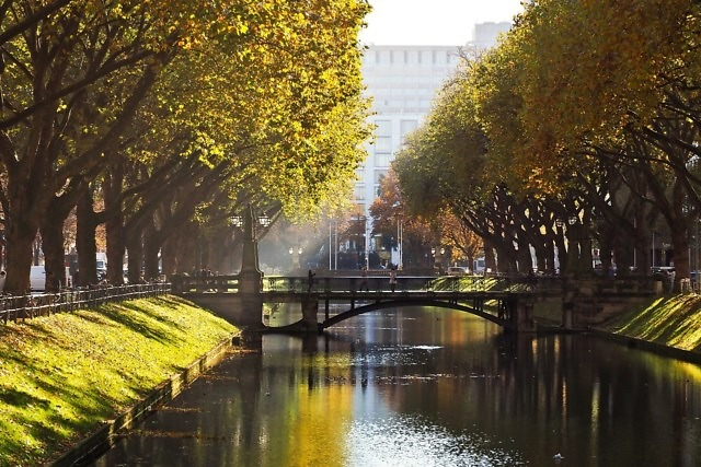 De Stadtgraben, het kanaal van de Königsallee