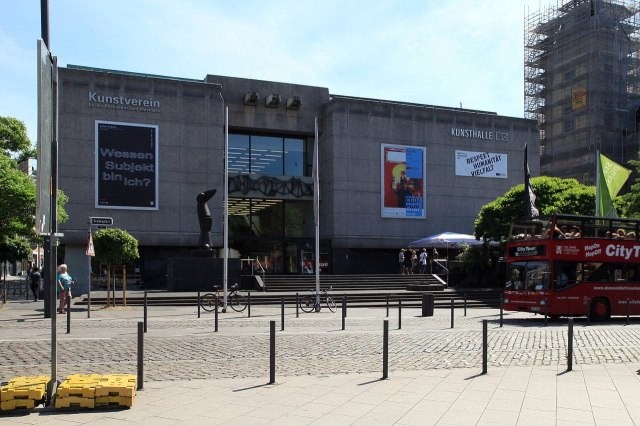 De stevig gebouwde Kunsthalle Düsseldorf