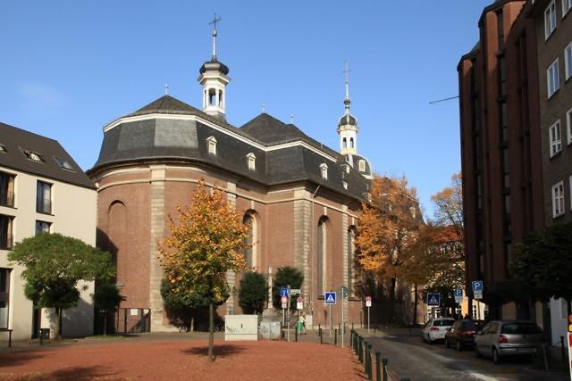 De Maxkirche van de achterkant gezien