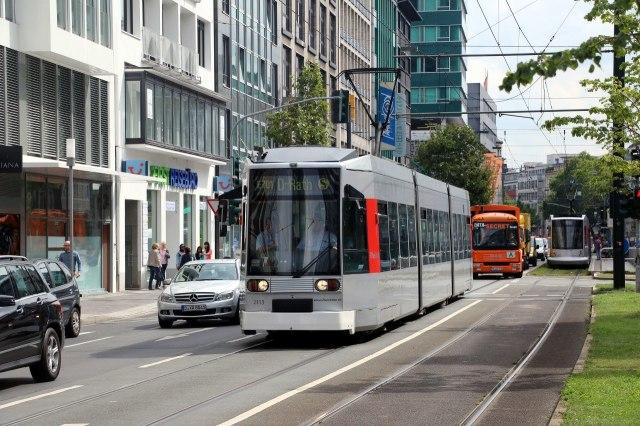 De tram van Düsseldorf is handig voor korte afstanden