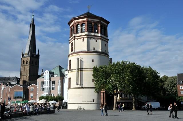 De toren is eenvoudig te herkennen